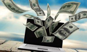 ноутбук деньги
