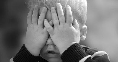 Застенчивый ребёнок: что делать?