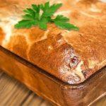 Простой наливной пирог с мясом